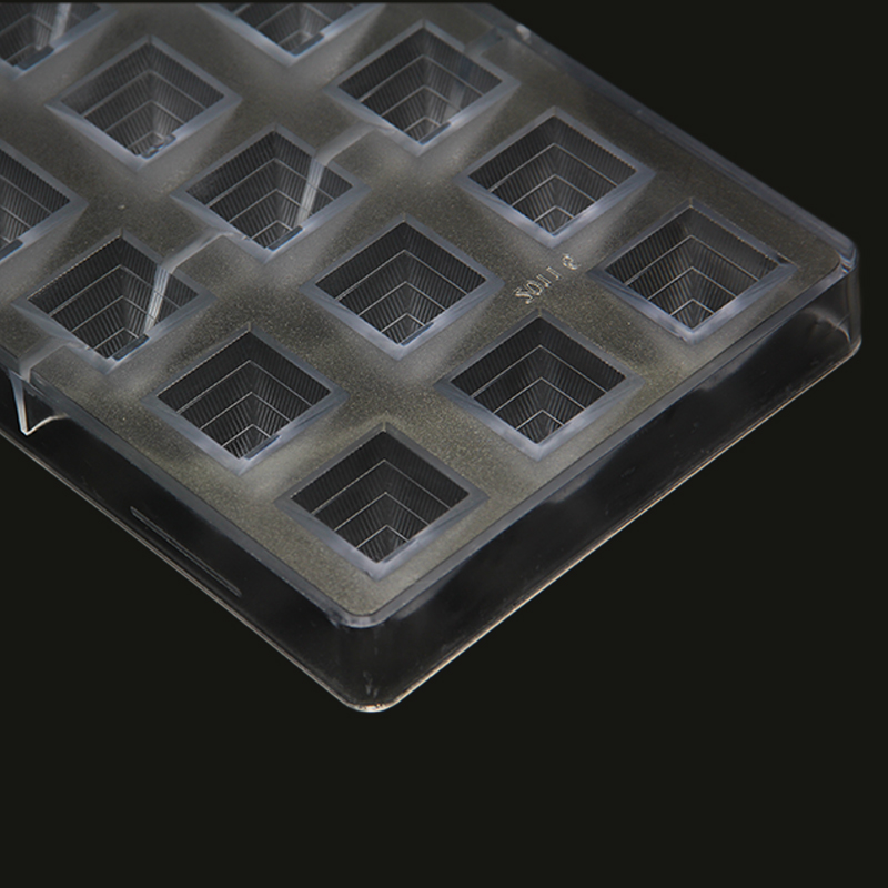 CC0018 Polycarbonate Pyramid Shape Chocolate Mould DIY Baking Mold