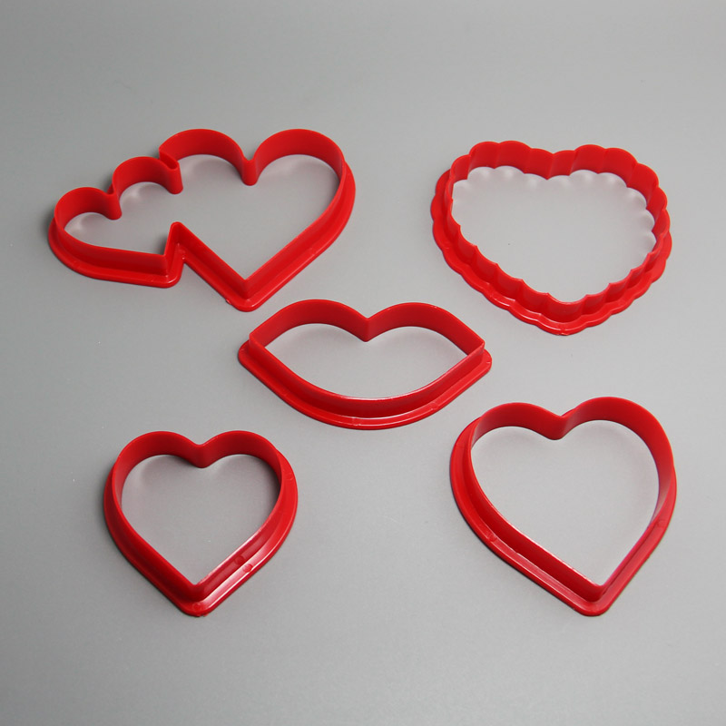 HB0202 5pcs Plastic Heart Shape cookie cutters set