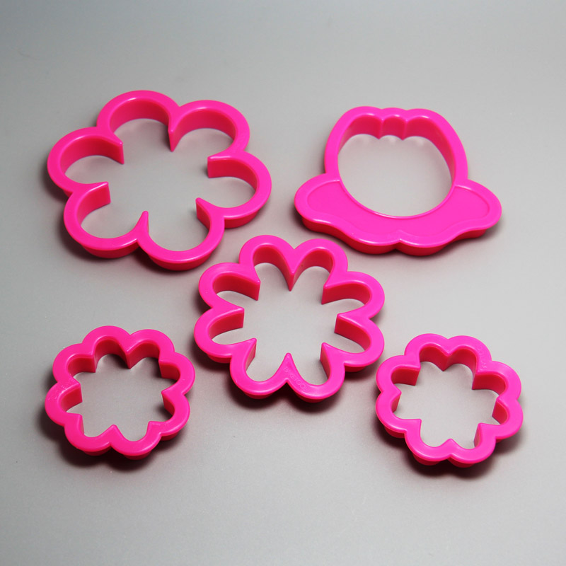 HB0206 5pcs Plastic Pretty Flower shape cookie cutters set