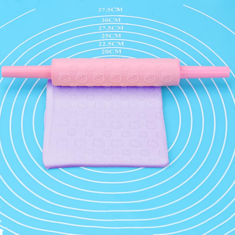 Small Plastic Hello Kitty Pattern Rolling Pin
