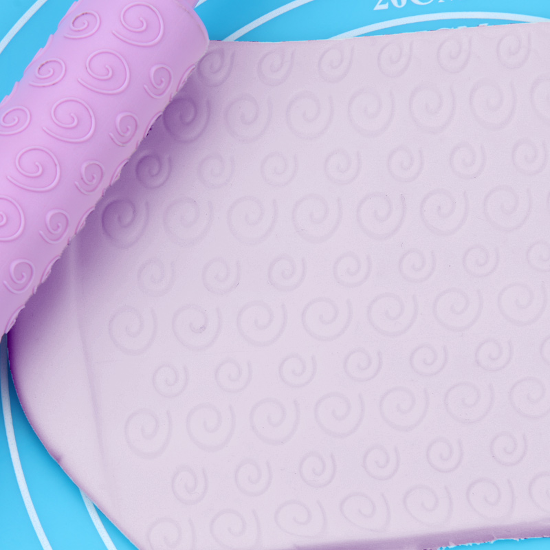 Small Plastic Clouds Pattern Rolling Pin