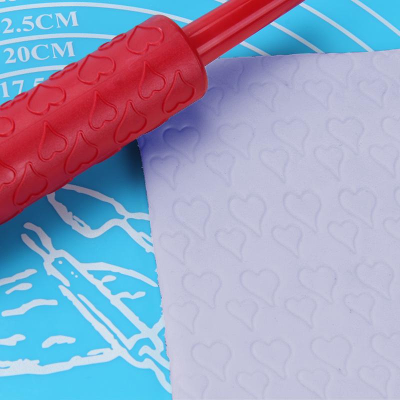 Small Plastic Heart Pattern Rolling Pin