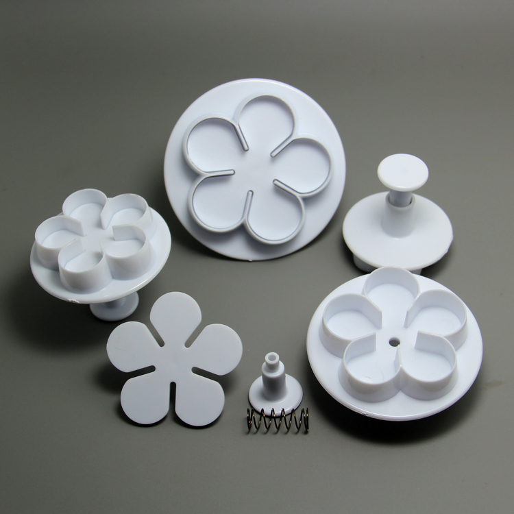 HB0762 Plastic 4pcs rose shaped cookie plunger cutter set