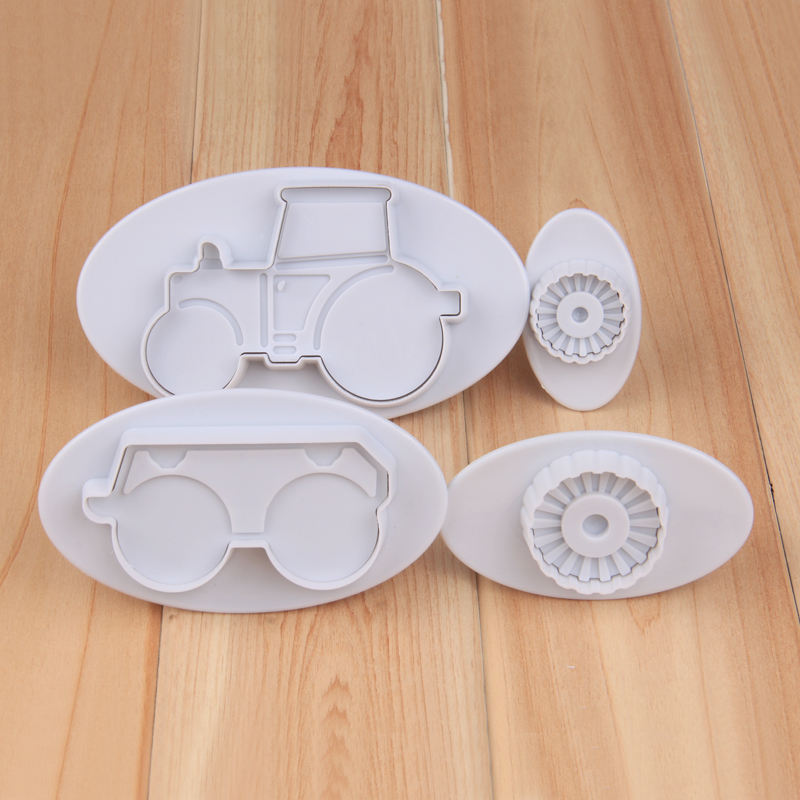 HB1040  4pcs Tractor cookie plunger cutter set