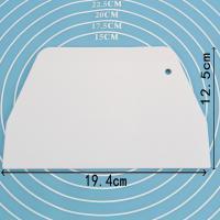 HB0263D  Plastic Trapezium Cake Scraper