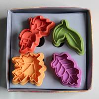 HB0386 Plastic 4pcs Leaves shape plunger cutter Muffin pie cookie baking set