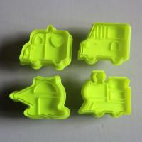 HB0515  Plastic Transport Plunger Cookie Cutter Set