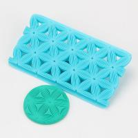 2017 New design flower shape fondant cookie embosser cutter mold